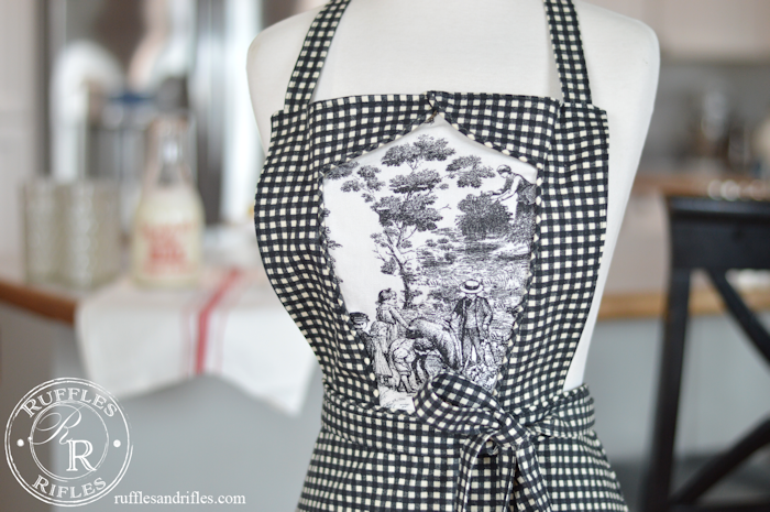Marian Apron in Black and White