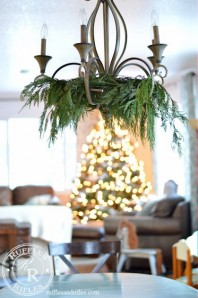 Christmas Décor in the Living and Dining Room